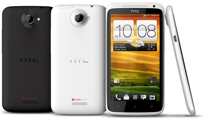 HTC_One_X_back_and_front